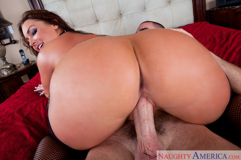 Flower Tucci Ass Licking