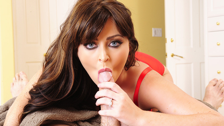 Sophie Dee- Housewife 1 on 1