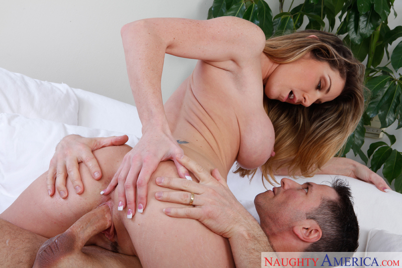Kayla Paige works up a sweat by screw the repair man