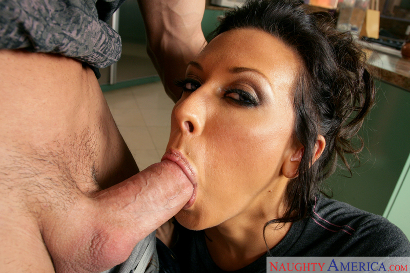 Rachel Starr bounces her tight ass on a big pie eyed