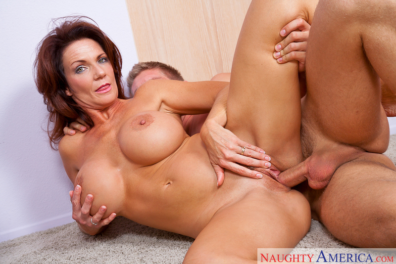 Deauxma milf porn video from My Friend's Hot Mom