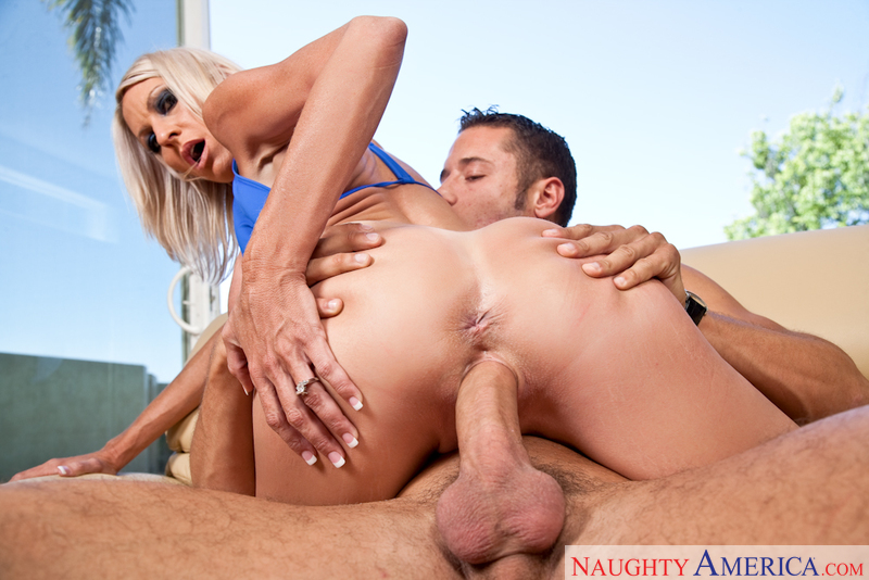 Emma Starr networks video from Naughty America