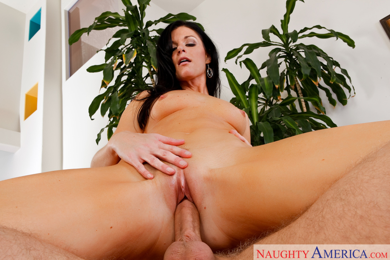 Danny stays the tonight at his friends house and ends up getting fucked by his friends mom India