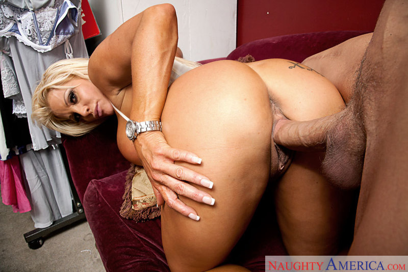 JR Carrington networks video from Naughty America