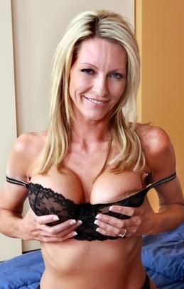 Hot Mom Mrs Starr 11