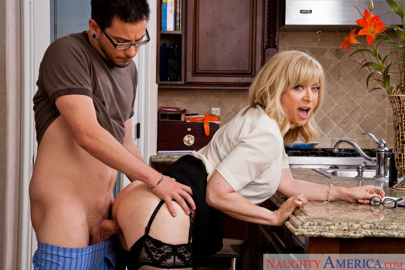 Nina Hartley networks video from Naughty America