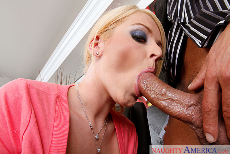 Sophie Dee fucks her lonely boss
