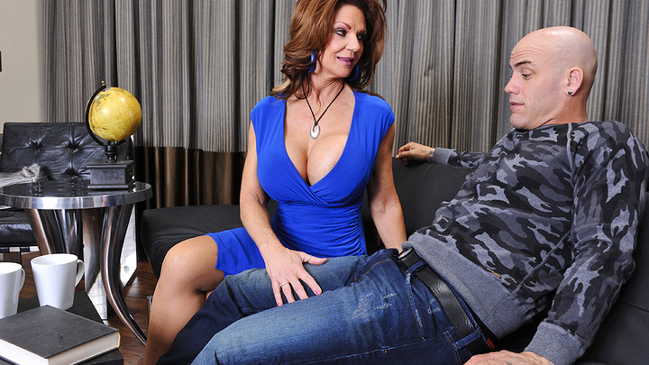 Deauxma- Seduced By A Cougar